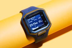 Smart Surf Watch Tells You When to Head to the Beach, Brah Surf Watch, Android Wear, Thing 1, Future Trends, Wearable Technology, Apple Watch, Surfing, Told You So, Watches