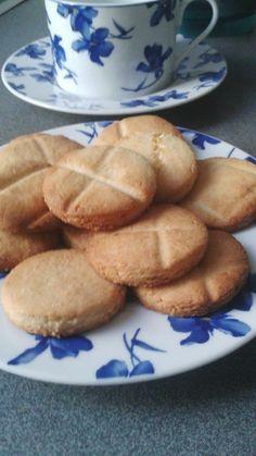 Cocinar me inspira. Té y galletas inglesas de coco caseras.