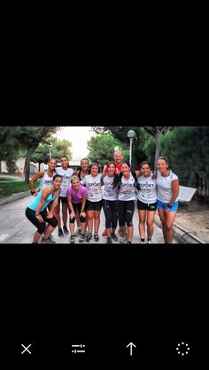 ¡Ese equipo como mola se merece una olaaaa!  #soyAGM #soyIsport agmentrenadores.com #agmentrenadores #runner #mujeresquecorren #soyguerrera #running #nikewomen #nikerunning #werunvlc #valenciaesrunning #vscocam