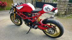 "Radical Ducati S.L.: From France Nicolas ""Radicalize"" his Monster‏"