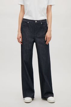 COS image 2 of Relaxed wide-leg jeans in Blue Dark