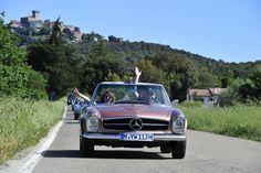 Mercedes-Benz 280SL 250SL 230SL Pagode Pagoda W113 in Tuscany Italy | Nostalgic Classic Car Travel