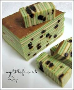 Layer cake is a must for me for Chinese New Year. Ever since i learn how to make my own layer cake i make them every year to serve my ...