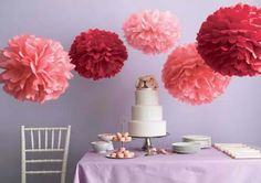 Fantastic paper pompons Paper pompoms with your hands out of tissue paper, are considered low, but very beautiful way to decorate yo. Tissue Paper Decorations, Tissue Paper Crafts, Ball Decorations, Wedding Decorations, Tissue Balls, Tissue Poms, Paper Pom Poms, Paper Balls, Blog Deco