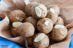 Carrot & Walnut Energy Bites (Raw Vegan) | vespresso