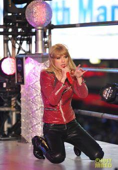 Taylor Swift News Years 2012