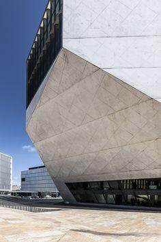 Casa da musica | Rem Koolhaas (O.M.A.), 2005 – Porto, Portugal