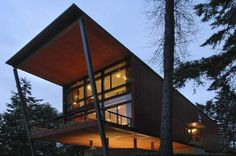 Fort Ward Bunker House in Bainbridge Island, Washington by Eggleston|Farkas Architects