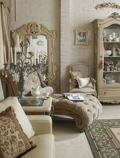 would love a chaise like this in my sitting room