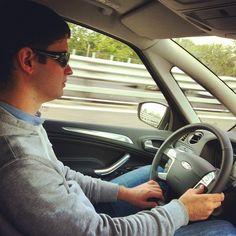 @dumbledore_a è il nostro autista! È alto quasi due metri e sulla S-Max ci sta perfettamente! @forditalia