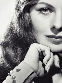 Jeanne CRAIN (1925-2003) * AFI Top Actress nominee > Active 1943-75 > Born Jeanne Elizabeth Crain 25 May 1925 California > Died 14 Dec 2003 (aged 78) California, heart attack > Spouse: Paul Brinkman (1946-2003, his death) > Children: 7. Remained married, but lived separately in Santa Barbara until his death in Oct 2003. Jeanne died a few months later, survived by 5 adult children.