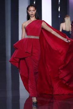 From the Ralph & Russo Haute Couture Autumn/Winter 2014 Collection.  #fashion