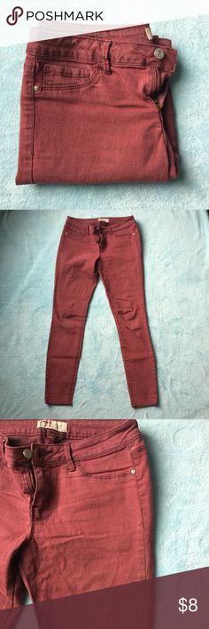 LEI Maroon Skinny Jeans Lei juniors maroon skinny jeans 🌹 Jeans Skinny