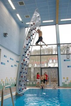 Funny pictures about Awesome Poolside Climbing Wall. Oh, and cool pics about Awesome Poolside Climbing Wall. Also, Awesome Poolside Climbing Wall photos. Inventions Sympas, Interior Design Minimalist, Climbing Wall, Climbing Shoes, Rock Climbing Gear, Cool Inventions, Future Inventions, Interior Exterior, Interior Livingroom