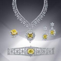 Yellow and White Diamonds elegant necklaces :) 2968 Real Diamond Necklace, Diamond Cross Necklaces, Diamond Jewelry, Indian Wedding Jewelry, Bridal Jewelry, Jewelry Sets, Fine Jewelry, Necklace Designs, Cross Pendant