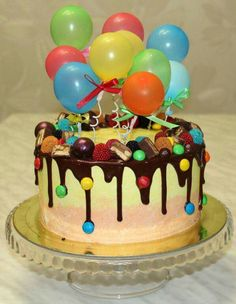Choc drip with m and ms Candy Cakes, Cupcake Cakes, Food Cakes, Cupcake Ideas, Cookies Et Biscuits, Cake Cookies, Beaux Desserts, Balloon Cake, Occasion Cakes