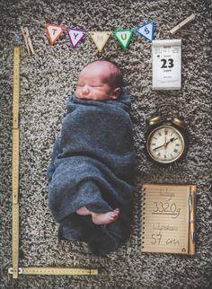 Przygotowani na zmiany-Oryginalna sesja wykonana przez rodzica po 7dniach od urodzenia. Znamy dokładną godzinę i datę zmian..wagę również :)