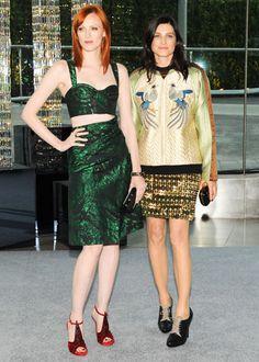 Karen Elson & Tabitha Simmons at the 2012 CFDA Fashion Awards #partysnaps #fashion #cfda #harpersbazaar