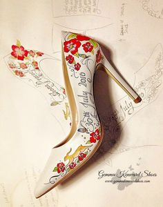 The shoes you choose for your wedding day should reflect your personal style. This hand painted red wedding shoes with draft illustrations is incredibly beautiful !