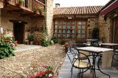 Casa Pepa Hotel Rural, Santa Colomba de Somoza, León (http://www.facebook.com/media/set/?set=a.10151693481736287.1073741837.40063146286=1)