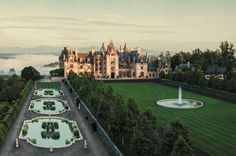 From European chateaux to tropical beaches and unique stateside spots, here are our top picks for the most gorgeous wedding venues around the globe. Blue Ridge Mountains, Nc Mountains, Estilo Ivy, Marble House, Biltmore Estate, The Biltmore, Old Money, Tropical Beaches, Best Resorts