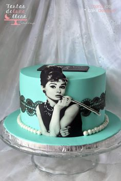 25th Birthday Cakes, Homemade Birthday Cakes, Birthday Cakes For Women, Cake Decorating Techniques, Cake Decorating Tutorials, Torta Audrey Hepburn, Fondant Cakes, Cupcake Cakes, Cupcakes