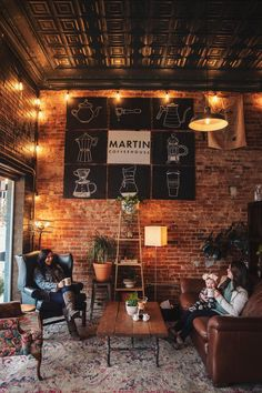 coffee house Martin, Tennessees very own downtown coffeehouse. John and Courtney have renovated this historic building into one of the top-rated coffee shops in Tennessee! Rustic Coffee Shop, Vintage Coffee Shops, Cozy Coffee Shop, Small Coffee Shop, Rustic Cafe, Industrial Coffee Shop, Coffee Shop Music, Barn Cafe, Coffee Store