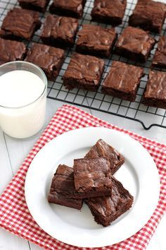 Old fashioned brownies. A rich, dark chocolate brownie with a soft chewy center, firm edges and a crackly top. Easy and simple to make using just one bowl.