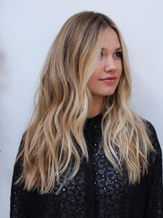Hairdressing Advice That Will Keep Your Hair Looking Great. Are you affected by constant bad hair days? Do you feel as if you have tried everything possible to get manageable hair? Do not stress about your hair, rea Blonde Hair Looks, Make Up Braut, Beach Hair, Hair Day, Balayage Hair, Hair Hacks, Dyed Hair, Hair Inspiration, Hair Inspo