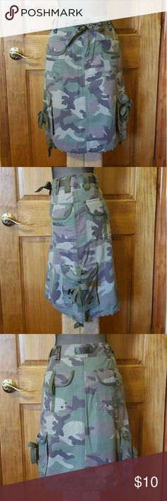 Camouflage skirt with cargo pockets and ties Adorable camouflage skirt with cargo pockets and ties. Ties can be worn untied for an edgier look. Skirts Pencil