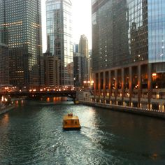 Chicago River Boat Cruise
