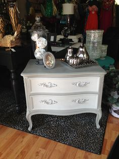French provincial side table redone in dark and light shades of Annie Sloan French Linen! @peachyperchfurniture