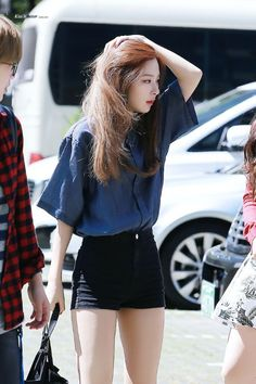 Red Velvet Seulgi Airport Fashion - www. Ulzzang Fashion, Kpop Fashion, Girl Fashion, Fashion Outfits, Korean Airport Fashion, Korean Fashion Shorts, Fashion Ideas, Style Fashion, Korean Fashion Trends