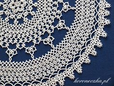 Awesome tatted doily :O Oh wow :O