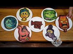 See characters from all the Pixar movies made into pancakes. Over pancakes! Who's your favorite character? What's your favorite movie? Book us here: http. Pixar Characters, Pixar Movies, Disney Art, Disney Pixar, Disney Food, Christmas Pancakes, Character Design Tips, Pancake Art, No Egg Pancakes