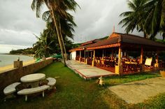 Phangan Cabana Resort is located on Ao Chao Phao ,the western shoreline of Koh Pha Ngan island. Rooms and Bungalows are available in a range of styles and prices, all with ensuite bathroom.   #resort #beachfront #beautiful #holiday #travel #luxury #kohphangan #thailand