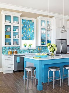 Make your kitchen remodel a breeze by browsing through our ideas for a blue backsplash! Whether you want a bright and bold blue or a more understated blue, we have lots of inspiring ideas to choose just the right color.
