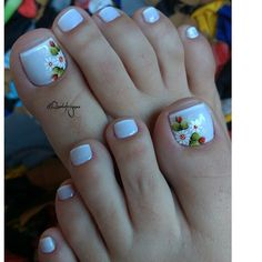 30 Fotos de Unhas dos pés decoradas com flores Manicure E Pedicure, Nail Trends, Pretty Nails, Nail Designs, Stay Tuned, Alice, Website, Image, Beautiful