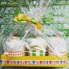 Diaper cupcakes  Cupcakes de pañales ;) Regalo ideal para un Baby Shower. No te pierdas el vídeo tutorial completo en nuestro canal de YouTube (link en la bio)