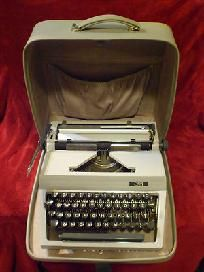 Vtg. Commodore Business Machine Manual typewriter made in Germany model 30 VHTF!