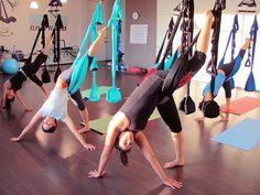 This looks sooo insane! I want to do it!! Swing Yoga Aerial Yoga class