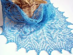 Summer Linen Lace Shawl. Hand Knitting.  Knitted Shawl