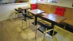 #玻璃纖維搭實木餐椅與實木方桌-胖達咖啡