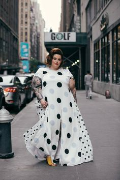 A NYFW Street Style Gallery Dedicated to Plus-Size Women - Tess Holliday plus size fashion - Plus Zise, Mode Plus, Look Plus Size, Plus Size Girls, Plus Size Summer, Plus Size Party Dresses, Plus Size Outfits, Curvy Fashion, Plus Size Fashion