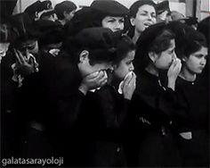 ✿ ❤ GİF... Huzur içinde yat canım ATA'm... :(( ATA'mız sonsuzluğa uğurlanırken gözyaşları sel oldu :( http://angels35.tumblr.com/