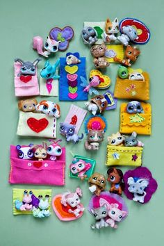 Pet Shops home made sleeping bags and carpets, Popquilts © julie ansiau