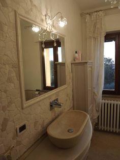 Νεοκλασικό έπιπλο μπάνιου ειδική κατασκευή προσαρμοσμένο στον χώρο του πελάτη!  Γιώργο-Νανά  Ευχαριστούμε για την εμπιστοσύνη σας!