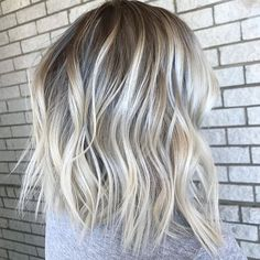 23 stylish lob hairstyles for fall and winter blonde lob ice ice blonde hair Ice Blonde Hair, Icy Blonde, Brown Blonde Hair, Blonde Balayage, Ombre Hair, Caramel Blonde, Winter Blonde Hair, Blonde Hair For Fall, Ice Blonde Highlights