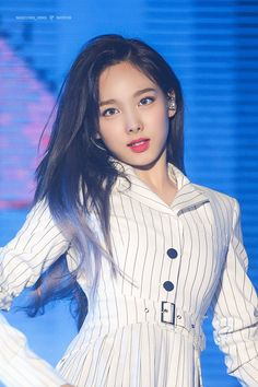Nayeon (Twice) first spoke out about the fan clinging - KpopHit - Kpop Hit Kpop Girl Groups, Korean Girl Groups, Kpop Girls, Twice Fanart, Nayeon Twice, Im Nayeon, One In A Million, Mamamoo, K Idols