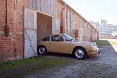 For the Love of All Things German and Air Cooled : Porsche 911